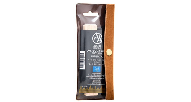 audio-anatomy_Vinyl-Brush_Oak-Wood-and-Goat-Hair-natural_product-in-package