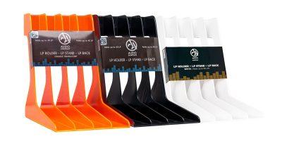 Bild der Schallplattenständer in Orange, Schwarz und Weiss